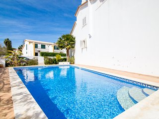 Casa Borboleta - 3 Bed Townhouse with wifi, pool & BBQ