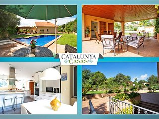 Glorious Villa Bellaterra for up to 13 guests, a short drive from Barcelona and