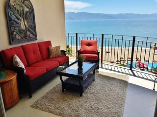 1 Bedroom Large Terrace with Breathtaking Bay and Mountain Views, Puerto Vallarta