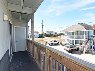 Winds VI 1D - Fantastic ocean front condo with pool, Carolina Beach