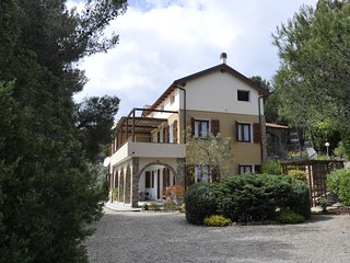 Holiday in Cipressa - Appartamento Arancio