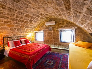 ''Ilios House''  in  the  Old Medieval Town of  Rhodes!, La ciudad de Rodas