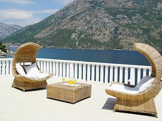 Penthouse Stoliv 100m2 5m/sea Private Jetty/Pier/Beach Located in Stoliv, Kotor