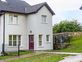 12 DENE'S YARD, end-terrace cottage, en-suite, open fire, in Cappoquin, Ref