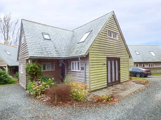 STOWE COTTAGE, detached, wet room, WiFi, near Camelford, Ref 938707