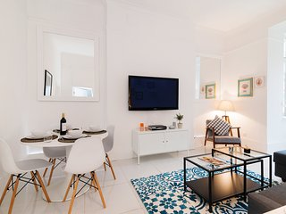 Bright Hazlitt Road Apartment - AJ