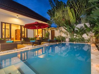 Modern 3 Bedroom Villa Close To Eat Street and Shop, Seminyak