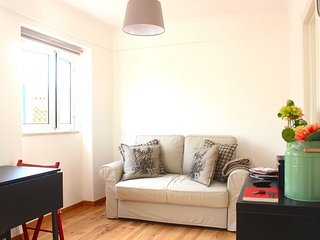 Paprika apartment in Alfama with WiFi.