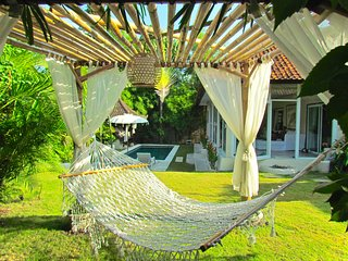 Amazing serene 3 bdr villa near Kudeta Beach and Seminyak Square. Close to all!