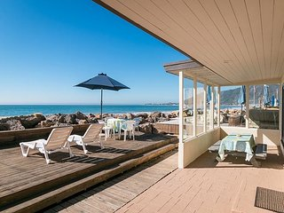 Dreamy Solimar Sands Beach House in Ventura - Watch Dolphins from the Deck