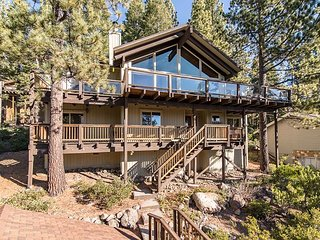 4BR, 3.5BA House in Tahoe City w/ Pool & Private Beach Nearby the Slopes