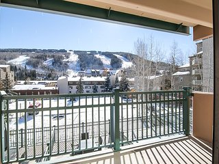 1BR Vantage Point Condo in Vail with Pool & Hot Tubs - Walk to Gondola