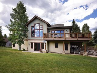 5BR, 3BA Hillside Home in Edwards – Near Skiing, Private Hot Tub, Sleeps 14