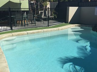 Anaheim Parkland Oasis |SUNNY POOL |HOT SPA|by Getastay, Upper Coomera