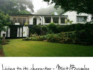 Montana - Pristine Serene Great Views Sleeps 10 Perfect for Couples, Mutare