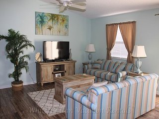 Marvelous pet friendly patio villa with complimentary golf cart!, The Villages