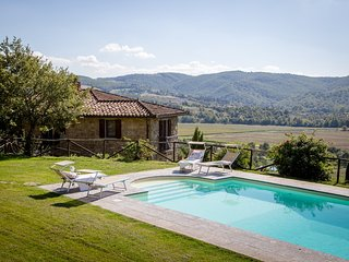 Villa Pian di Marte: a stunning view on the Lake