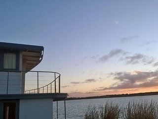 PS Federal Paddle Steamer Romantic Retreat, Goolwa
