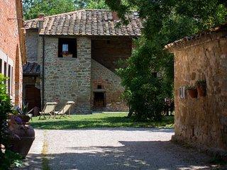 Villa I Cipressi, genuine Tuscan countryside