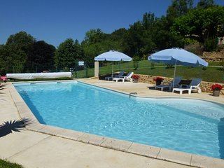 Barn conversion full of character Heated pool WIFI, Near Sarlat, large gardens.
