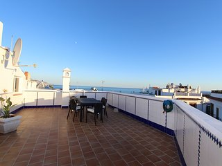 Lovely penthouse in the center of Nerja