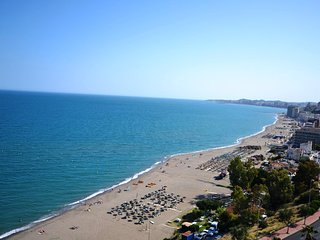 FANTASTIC DUPLEX PENTHOUSE FOR HOLIDAY RENTALS IN BENALMADENA, Arroyo de la Miel