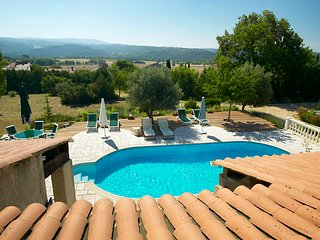 Spectacular Family Home with Swimming Pool, Saint-Laurent du Verdon