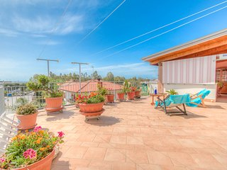 Mediterranean Sea-view Penthouse by the beach, Formia
