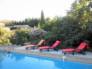 Villa with private pool, Mornas