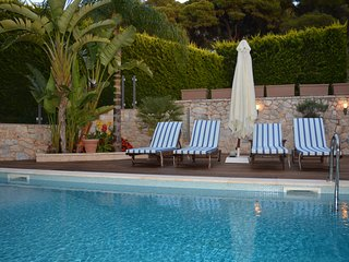 Luxury villa-private-swimming pool-Voula