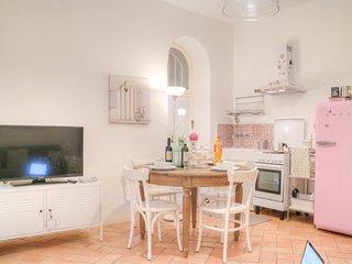 Cozy Gaeta Medieval Apartment