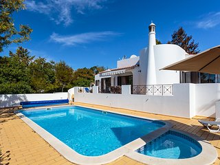 Stunning 3 bedroom villa on Vale do Milho, Carvoeiro