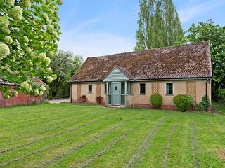 A beautiful 3/4 bedroom cottage set in idyllic and secluded grounds., Eynsham
