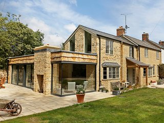 A stunning Cotswold stone home, located in Kingham