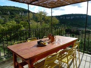 Maison de charme,Vue magnifique sur le Luberon,Terrasse et Jardins à Saignon