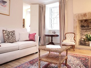 Royal Mile Luxury Apartment