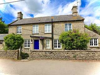Pretty cottage located in the beautiful village of Fulbrook, Burford