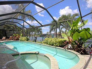Island House at Blue Lagoon, Cape Coral