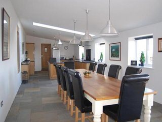 THE BARN  GREAT PARTY HOUSE sleeps 6 to 16 ADULTS STICHILL MAINS KELSO, Kelso