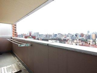 Osaka Shin-Imamiya Apartment for 8ppl, close to station, direct train to KIX