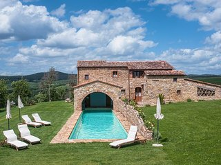 luxury villa few steps from Pienza
