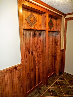 Beautiful recessed ski rack in hallway - with custom accents!