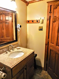 Enlarged second bath with hairdryer provides plenty of room to get ready before you hit Snowshoe Village!