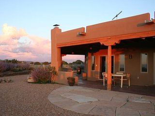Retreat/sanctuary beautifully furnished near green, Santa Fe