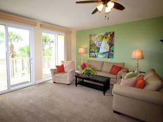 FREE Beach Chair Service & Private Underground Parking with our Spacious and Convenient Low Floor 2 bedroom condo, Panama City Beach
