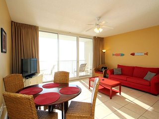 Enjoy FREE BEACH CHAIR SERVICE with rental of our Beautiful Beachfront 1 Bedroom, TWO Bathrooms for 6 Guests at Majestic Beach Resort!, Panama City Beach