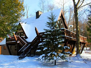 Feels Like Heaven: Wooded Chalet w/ Two-Story Fireplace, Near 3 Ski Resorts