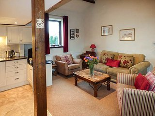 BARN OWL COTTAGE, character, open plan, in Lindale, Grange-over-Sands, Ref