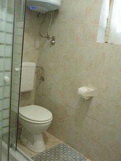 A1-Mali(2): bathroom with toilet