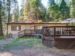 (42R) Rosenberg's Creekside Cabin
